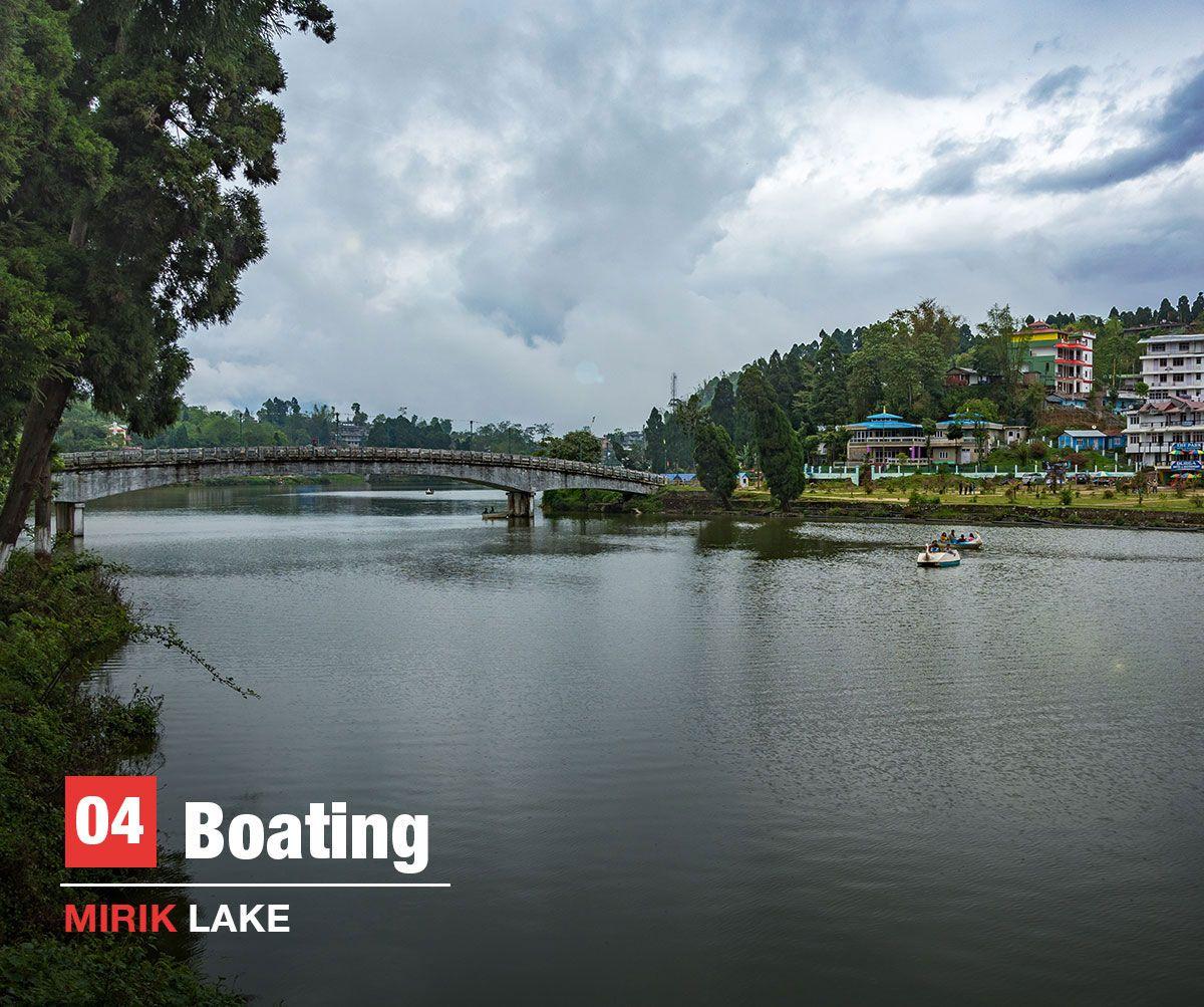 Boating, mirik lake